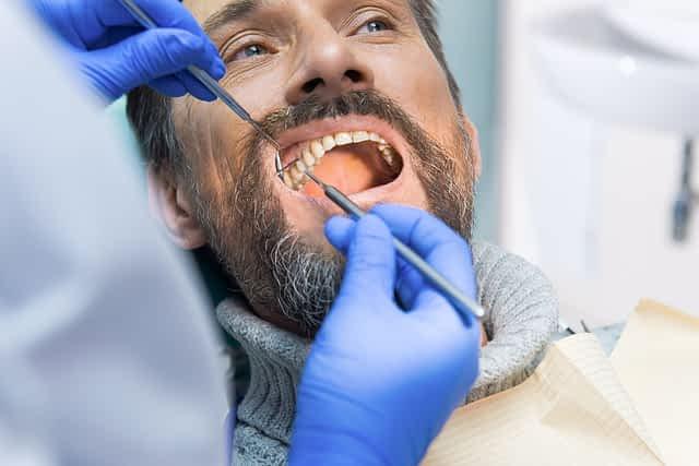 Por que nossos dentes amarelam Grupo Lien