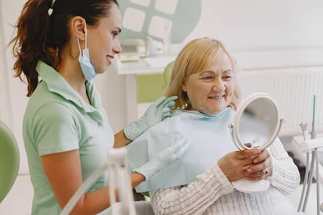O procedimento de implante de carga imediata é para qualquer pessoa Grupo Lien